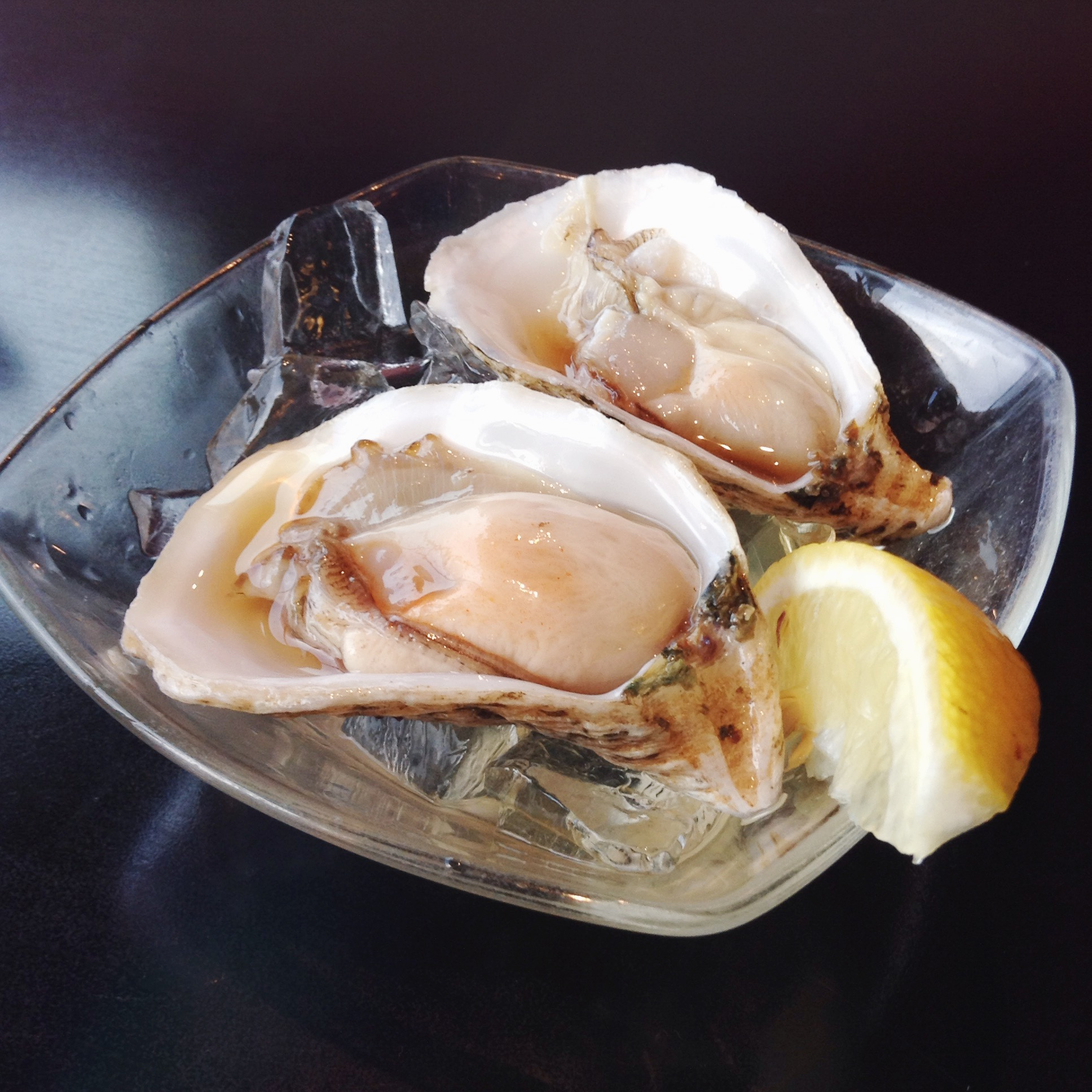 Uoshiki Sushi - Raw Oysters on the Rocks with House Special Sauce - 2 pieces per Person - HELLOTERI