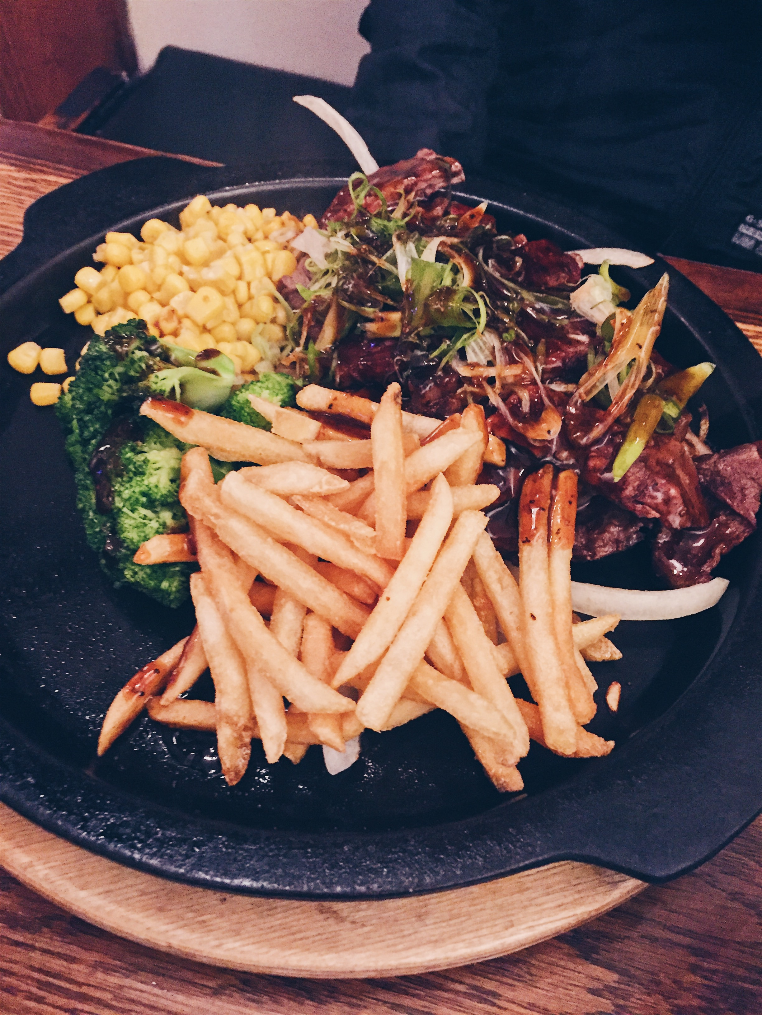 Los Angeles, USA - Teishokuya of Tokyo (TOT) - Pepper Beef Steak - helloteri