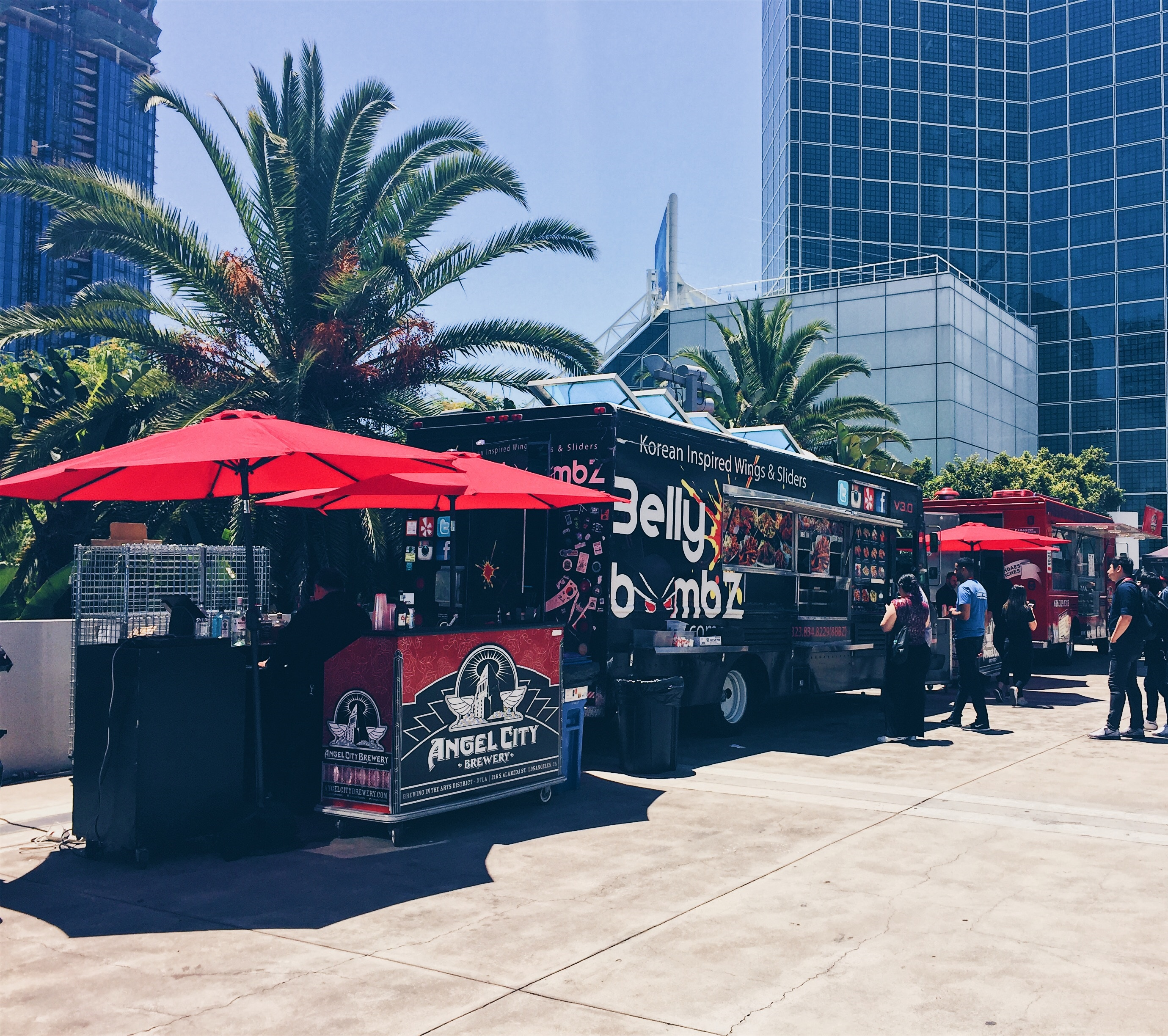 Los Angeles, USA - Middle Feast Food Truck - Food Trucks at Los Angeles Convention Centre - helloteri